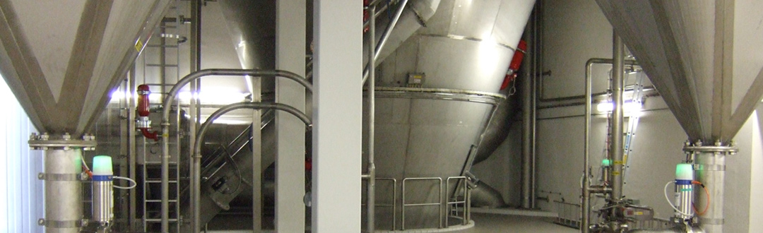 Individual exhaust air filtration systems for spray drying